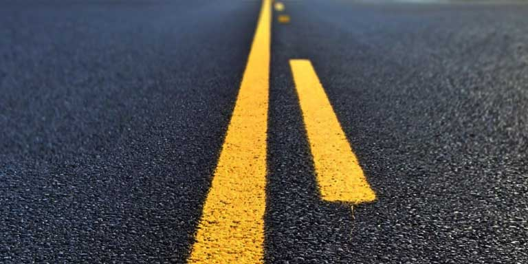 Highway markings - Double Yellow Lines